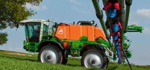 Amazone Pantera 4001 Self-propelled Crop Protection Sprayer